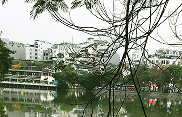 Hoan Kiem Lake (2)